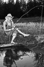 Maniac Image - Hill Billy fishin'