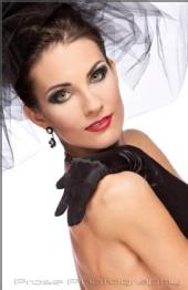 Brenda Kucerova - Elegance