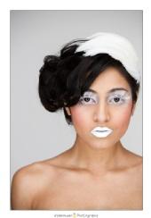 eYeWonder Photography - Zehra in white