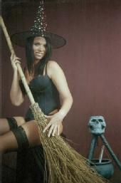 Freezeframe Photography - witchy woman