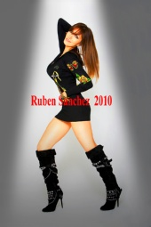 Ruben Sanchez - Laura In Spotlight