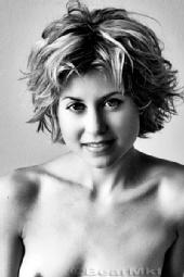 Art Knew-vaux - Beautiful model