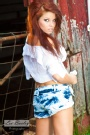 Lee Baxley Photography - Tess by the Barn