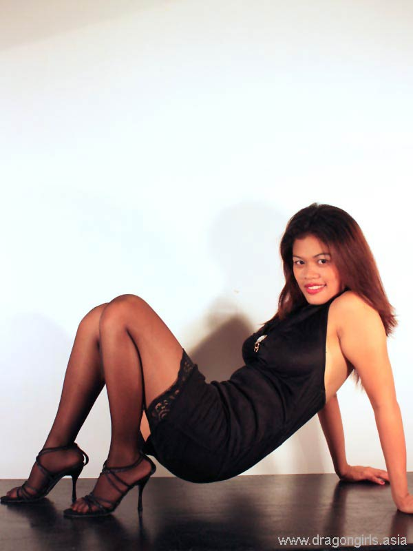 Aya Sam - Exercises in high heels