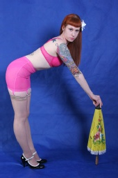 Scarlette Rose - yellow umbrella