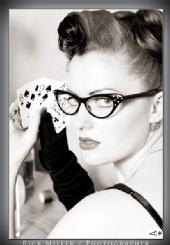 go-go Amy - Strip Poker
