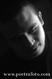 Mishbahul Munir Poetrafoto.com - This is my profile photo! :)