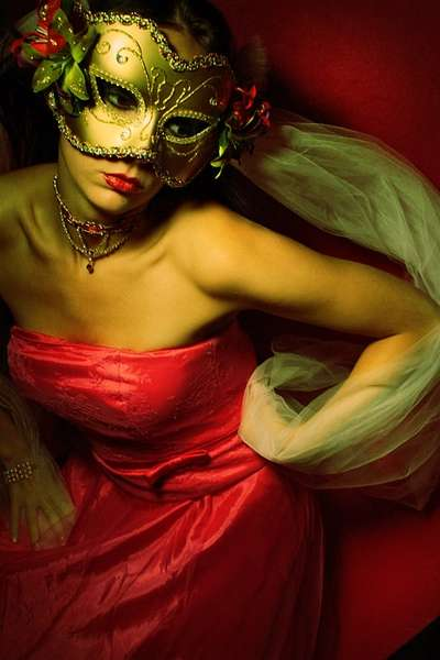 Taylor Leigh - Masquerade