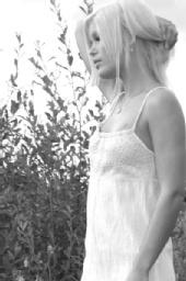 Jessica Walker - Robert Young Photography