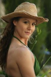 Trish - cowboy hat in the courtyard