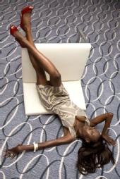 Lauren Ellen - Fashion downside up