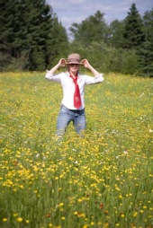 Lyndseyupnorth - In a field of Flowers
