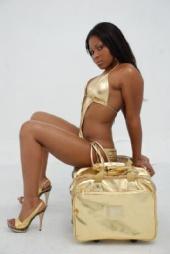Quinta Leonna - golden girl