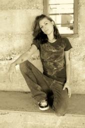 lyssa jane - photo by shutter bugg