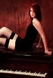 Amanda Leigh - Piano 1