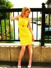 Miz Bella Monroe - lake model
