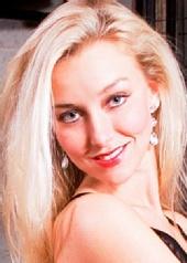 Michelle  Brüer - Colour headshot