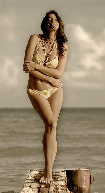 VB Vanessa Black