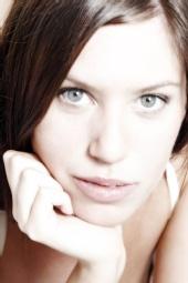 lee hardcastle - green eyes