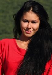 Chelsea Farnham - red top